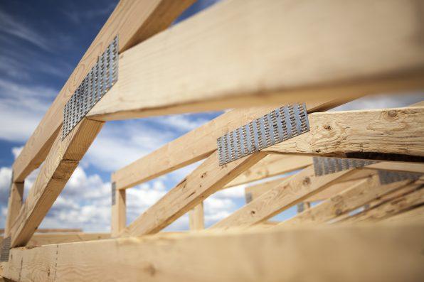 Przytulne, ekologiczne i bezpieczne domy z drewna klejonego warstwowo