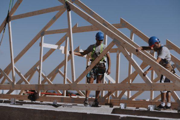 Zastosowanie wiązarów dachowych w konstrukcjach szkieletowych