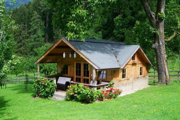 Jakiego dachu potrzebuje drewniany dom?
